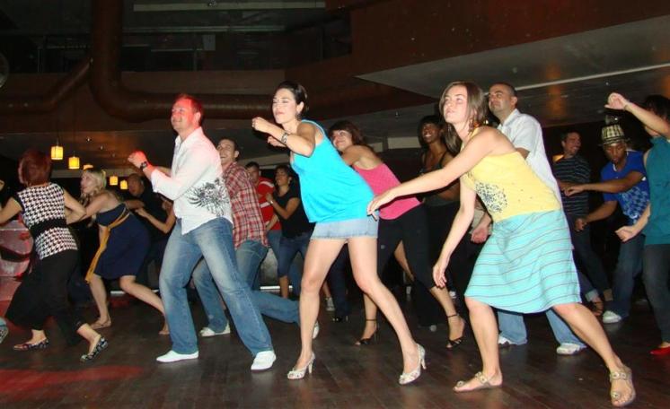 Wednesday Dance lessons Toronto @ Six Degrees Nightclub!